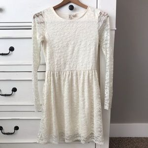 H&M DIVIDED Off White Lace Dress.